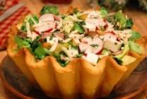 Salata in cos de paine